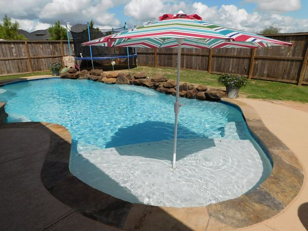Kenny pools gallery swimming pool features 713 898 for Kenny pool design